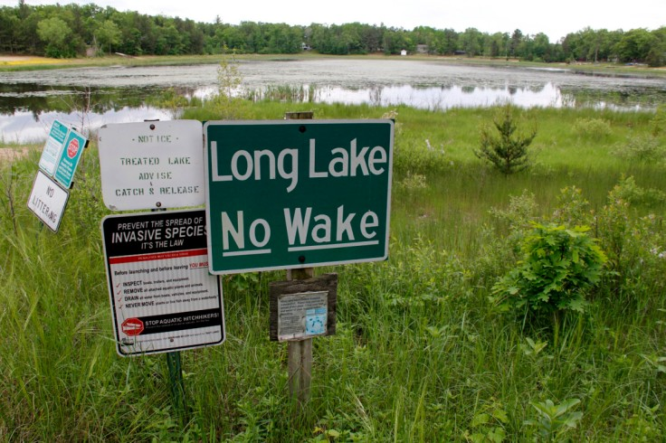 Long-Lake-no-wake-sign1-1170x780